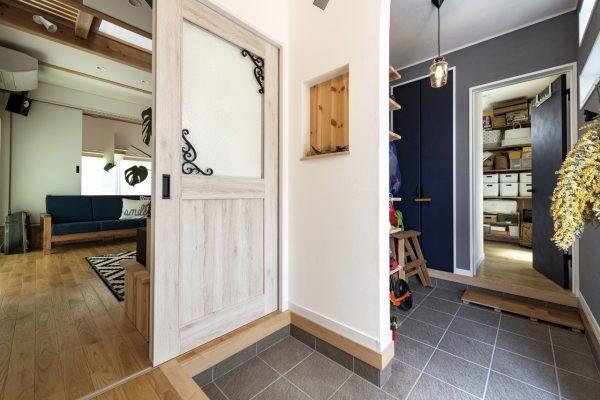空間とコーディネートされた、オリジナル家具はいかがですか?